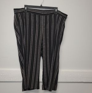 Plus Size Pull On Cropped Pants